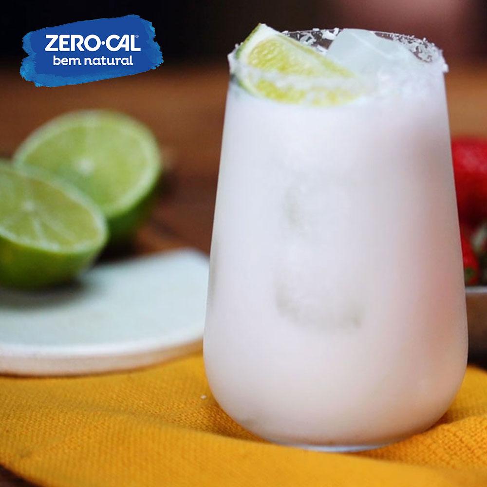 Drinks-Dupla de drinks: limonadas de coco e morango