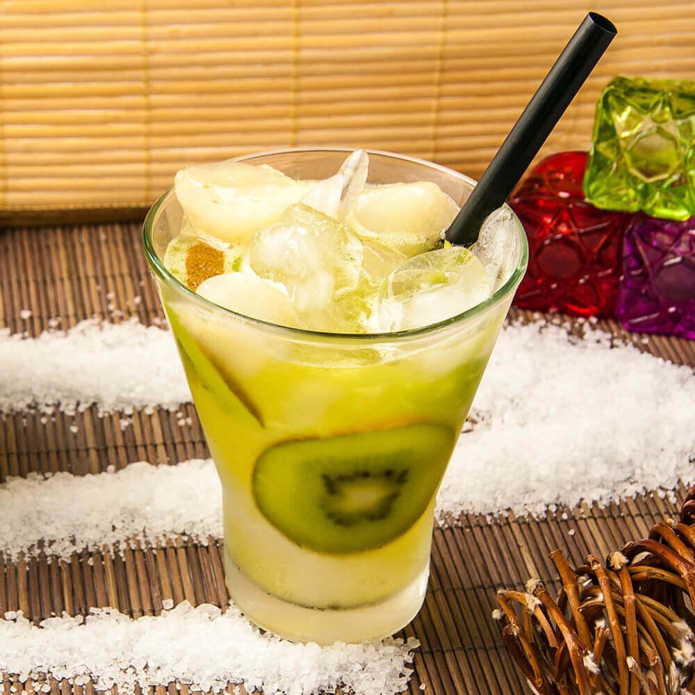 Caipirinha-Kiwi com Gelo de Água de coco