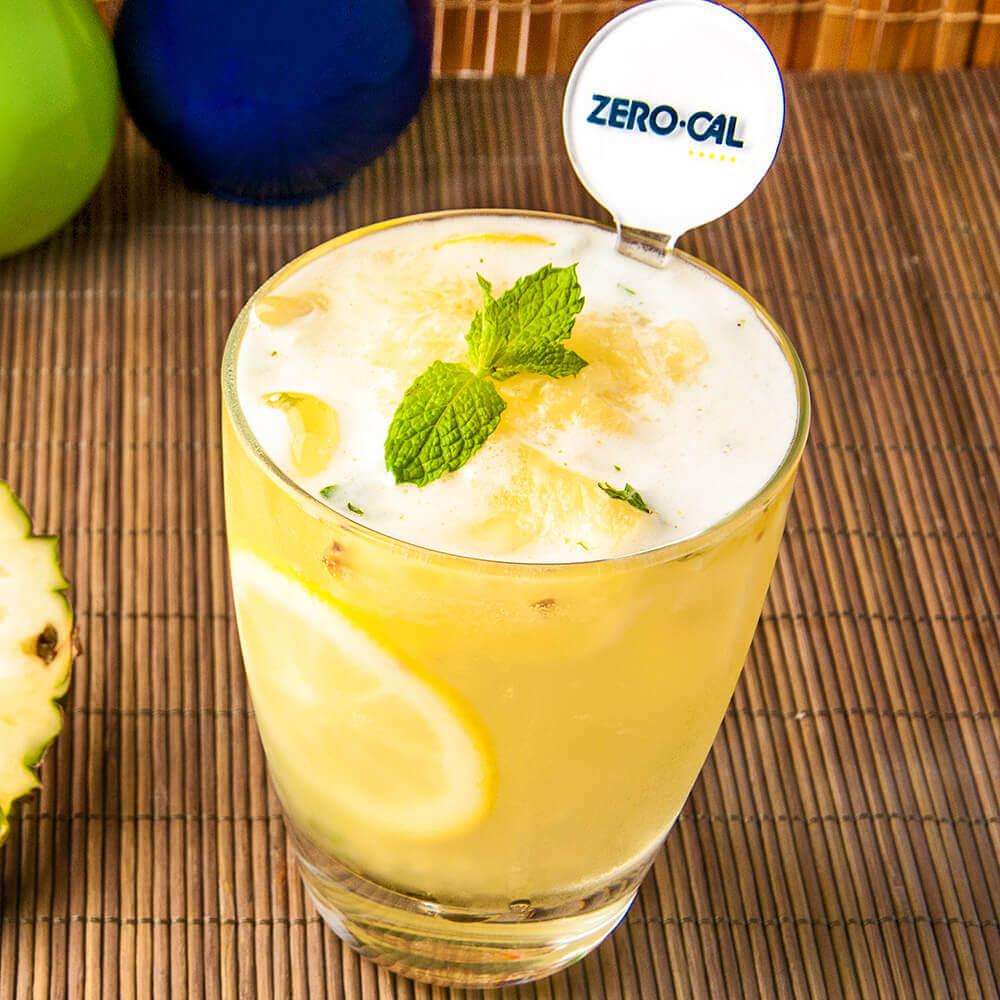 Suco-Abacaxi, limão siciliano e hortelã