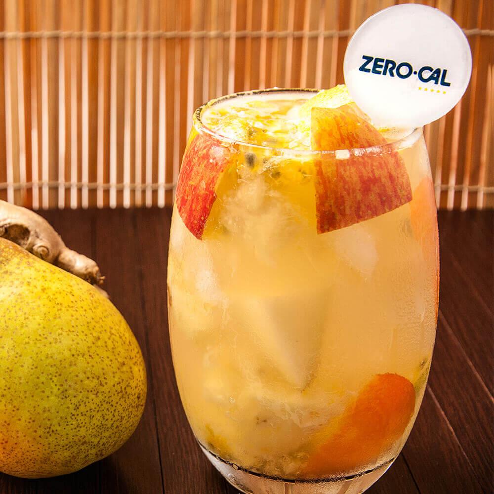 Suco-Abacaxi, maçã, pera, cenoura, maracujá e gelo de gengibre